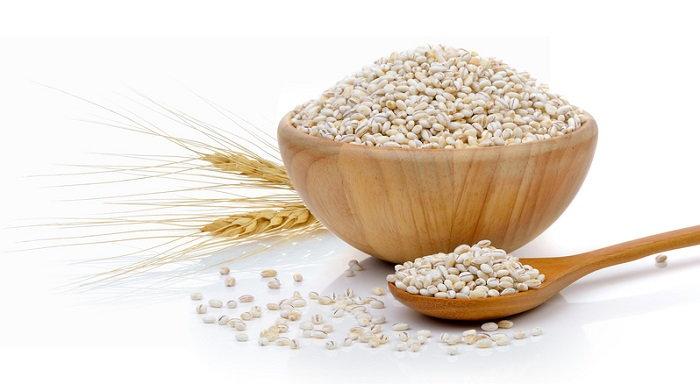 A bowl of barley grains