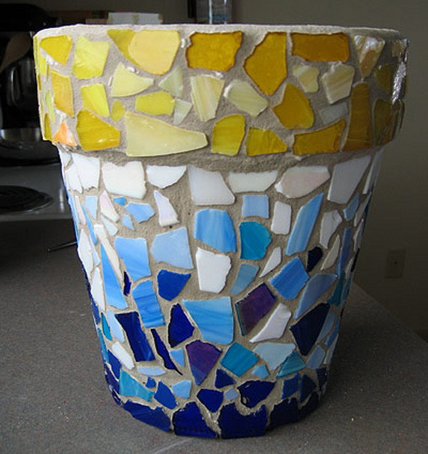 6 crafts to make with broken glass for Broken glass art projects