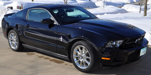 2010 V6 Premium w/Pony package