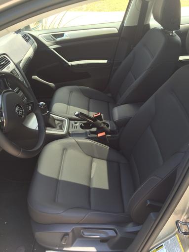 2015 Volkswagen Golf TDI Frontseat