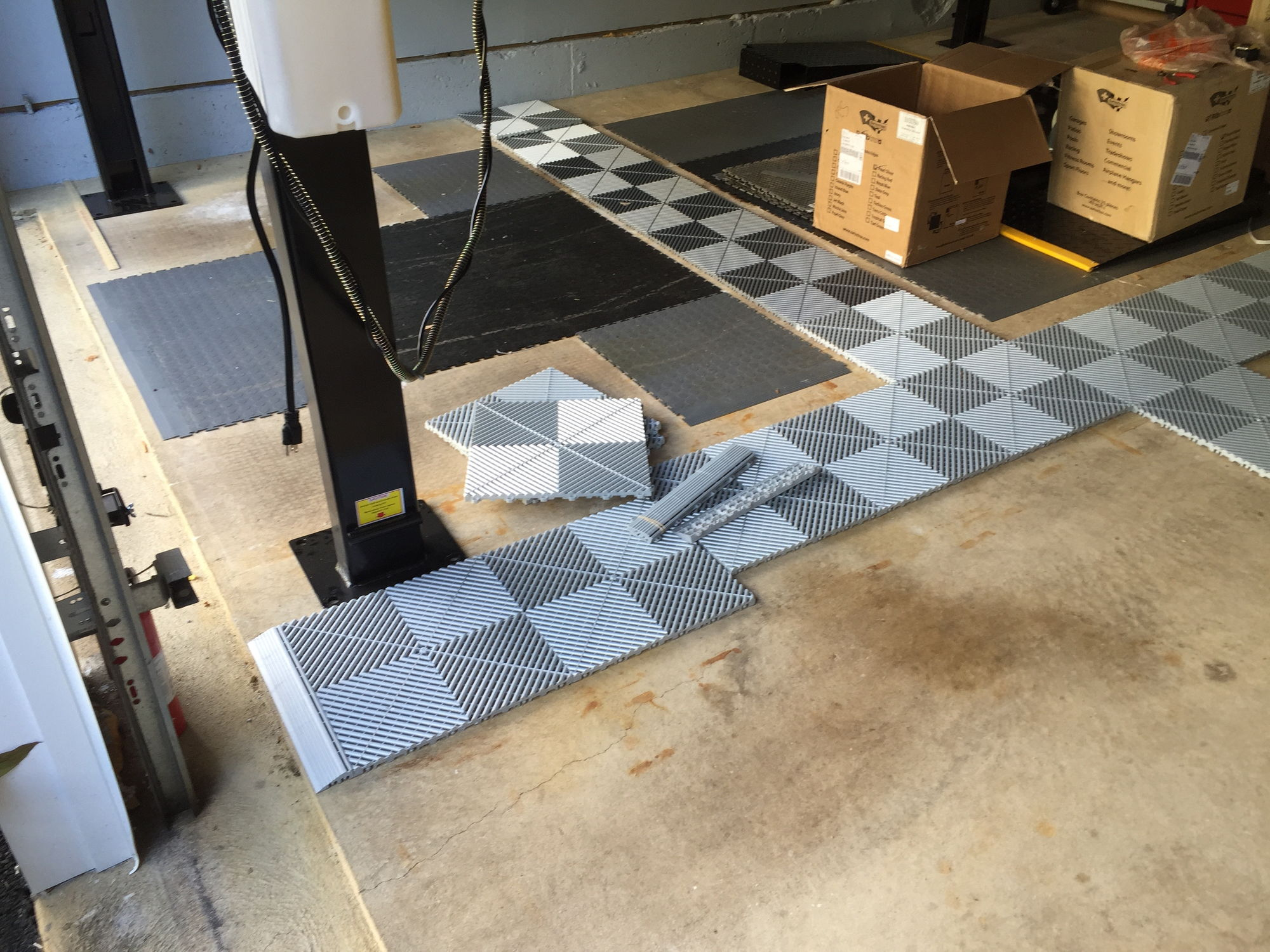 How to tile a garage floor