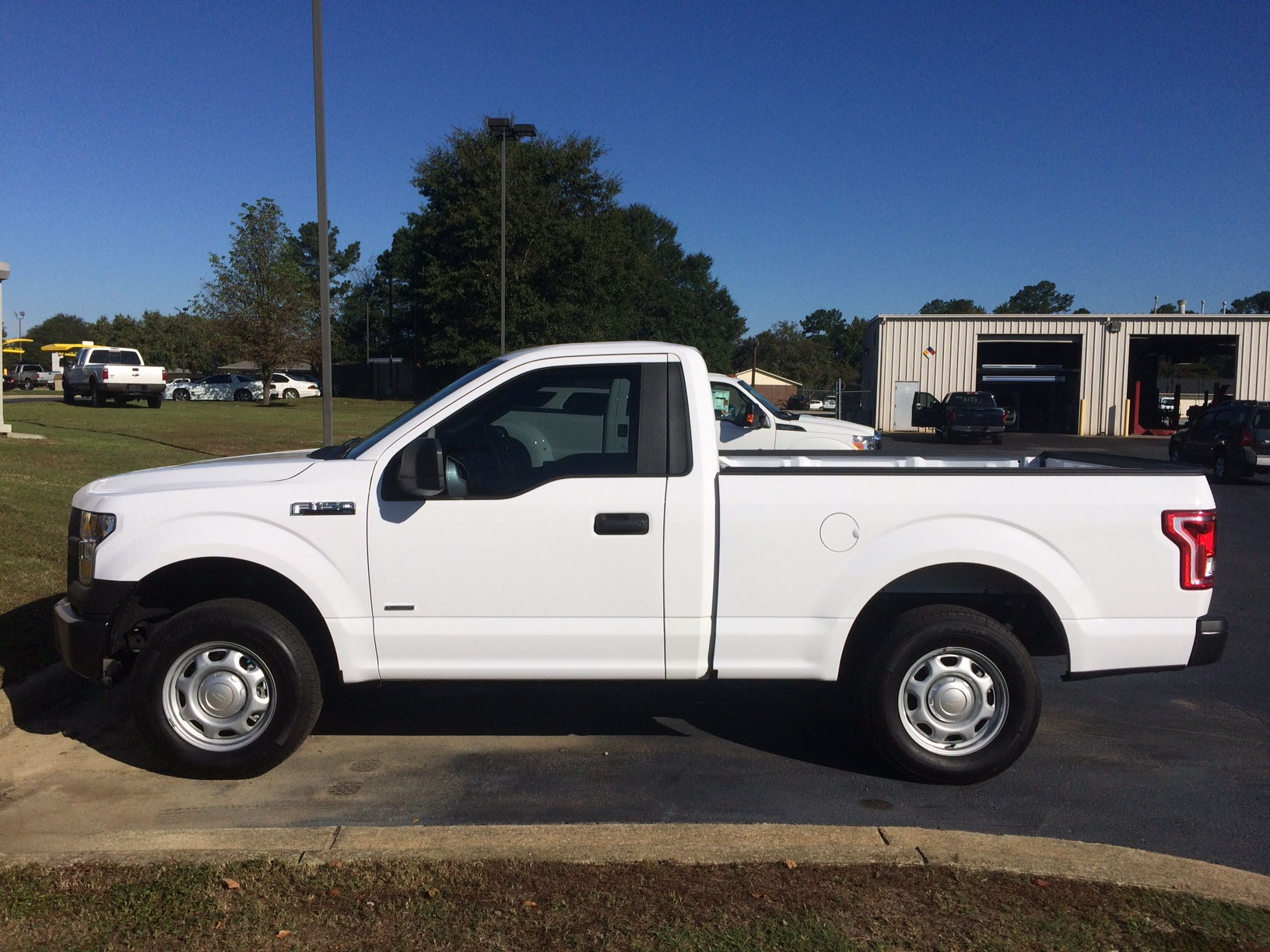 Tow Truck Houston >> Anyone here ever order just the basic XL regular cab/short bed truck? - Page 7 - Ford F150 Forum ...