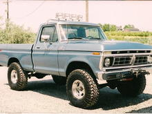 "1977 F-150, 400M, C-6, Detroit locker rear, Eaton Electric locker front, Chrome molly axles, 35"" Mudders, Recessed winch front bumper"