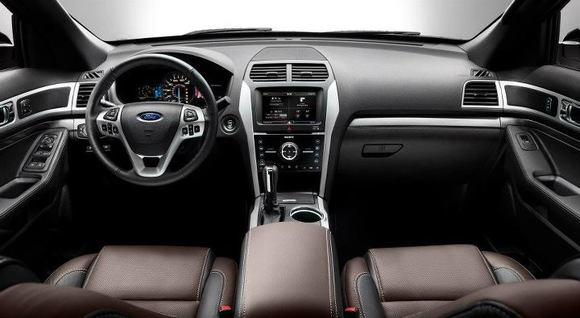2013 Ford Explorer (4)