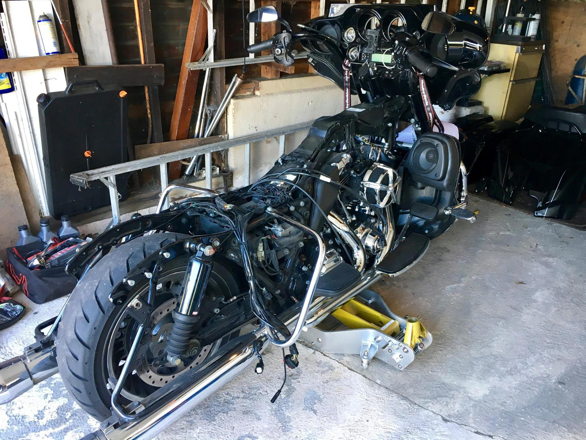 harley davidson street glide battery location  harley