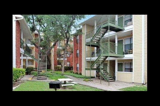 Chesapeake Apartments Austin Tx