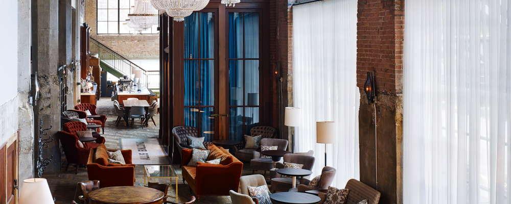 Restaurante y bar del lobby público de Soho House Chicago, The Allis