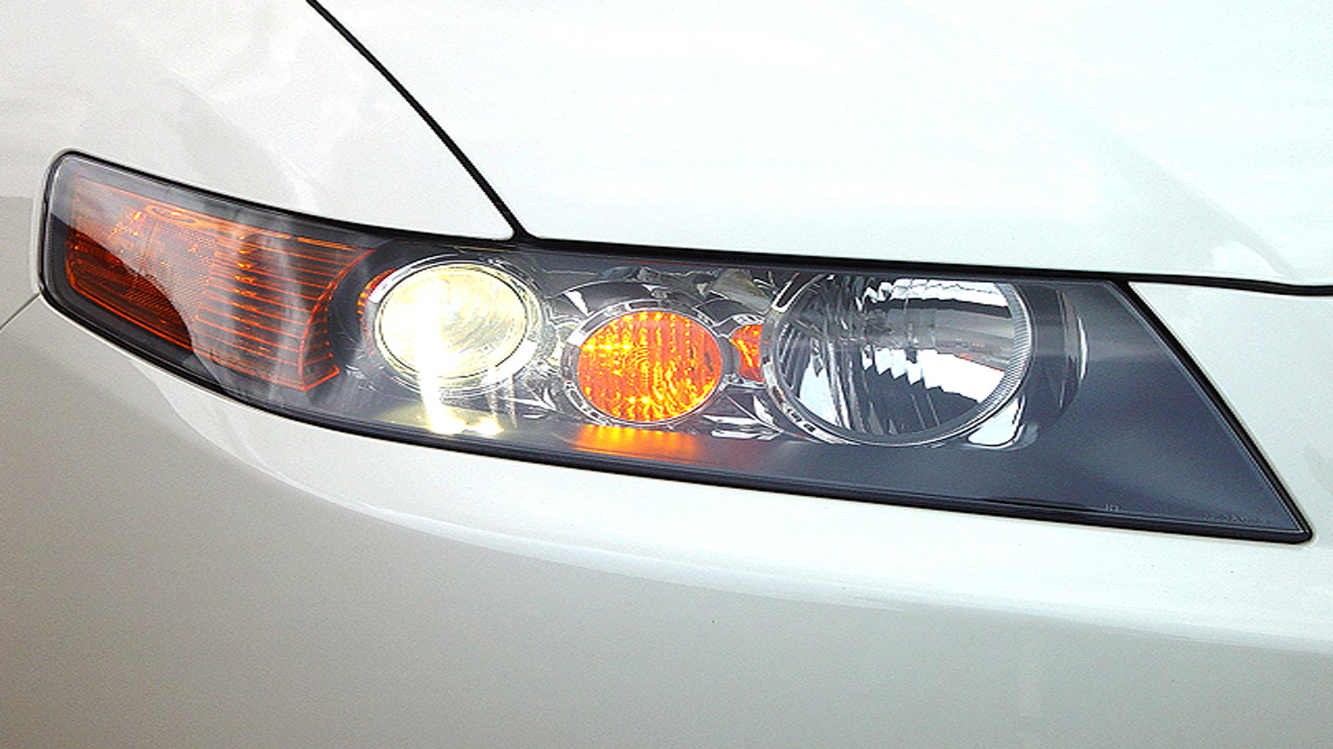 Acura Tsx How To Replace Your Headlight Bulbs Acurazine
