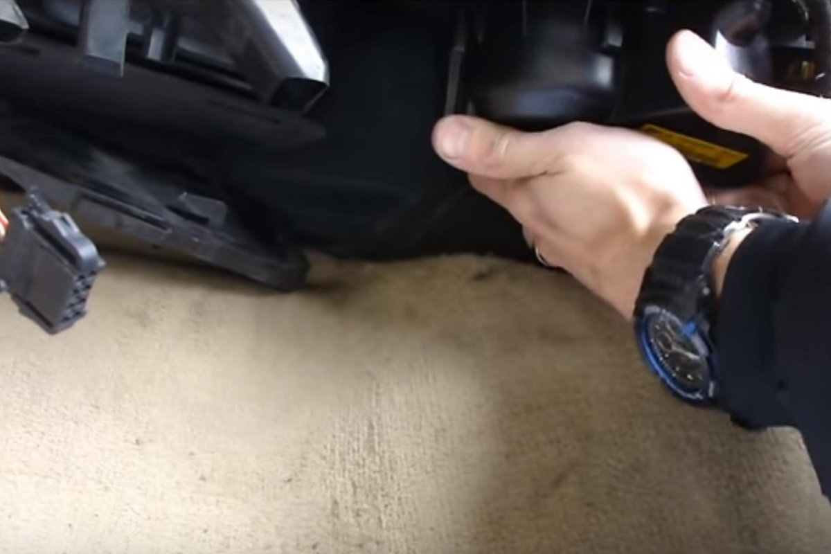 AUDI A4 B7 B8 HEATER AIR BLOWER MOTOR HOW TO REMOVE REPLACE CHANGE