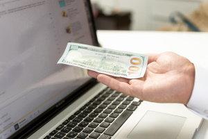 ¿Mi pago inicial tiene que ser en efectivo?