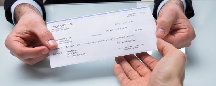Ingresos necesarios para obtener un préstamo de auto cuando tienes un mal crédito