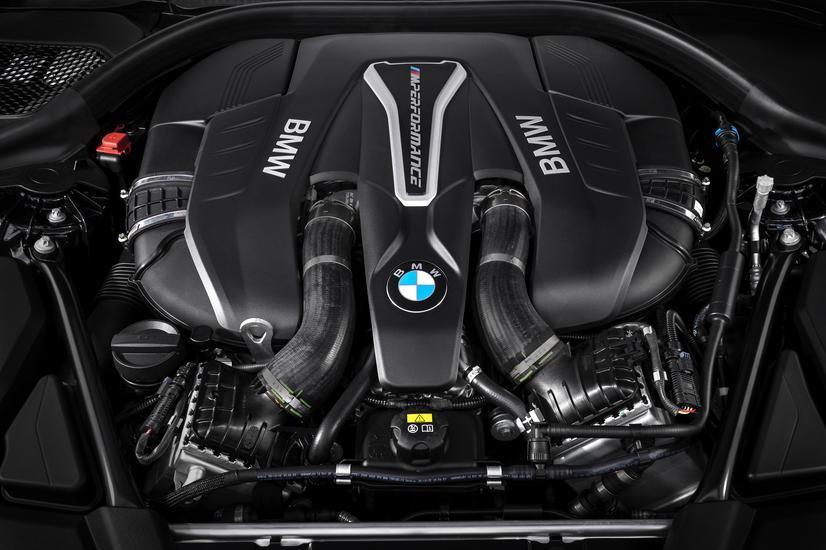 BMW 550i V8