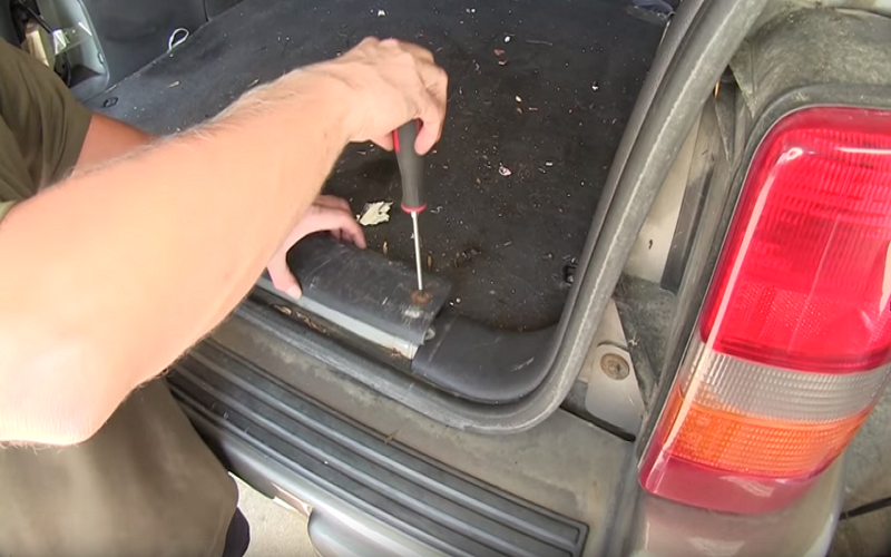 Jeep Grand Cherokee ZJ 1993 to 1998 How to Install Trailer ... on