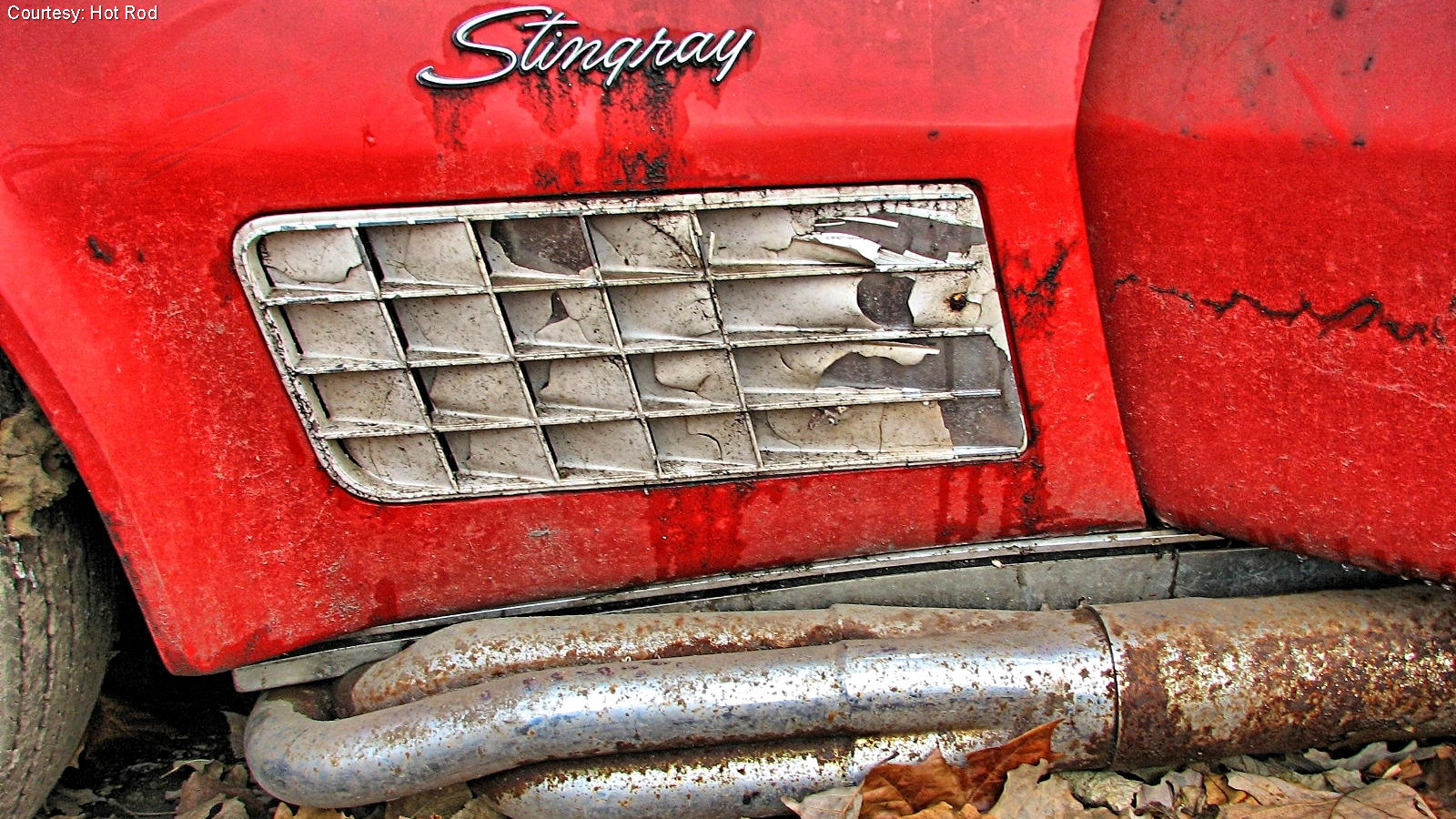 Rare 1971 Stingray Uncovered From Years of Despair