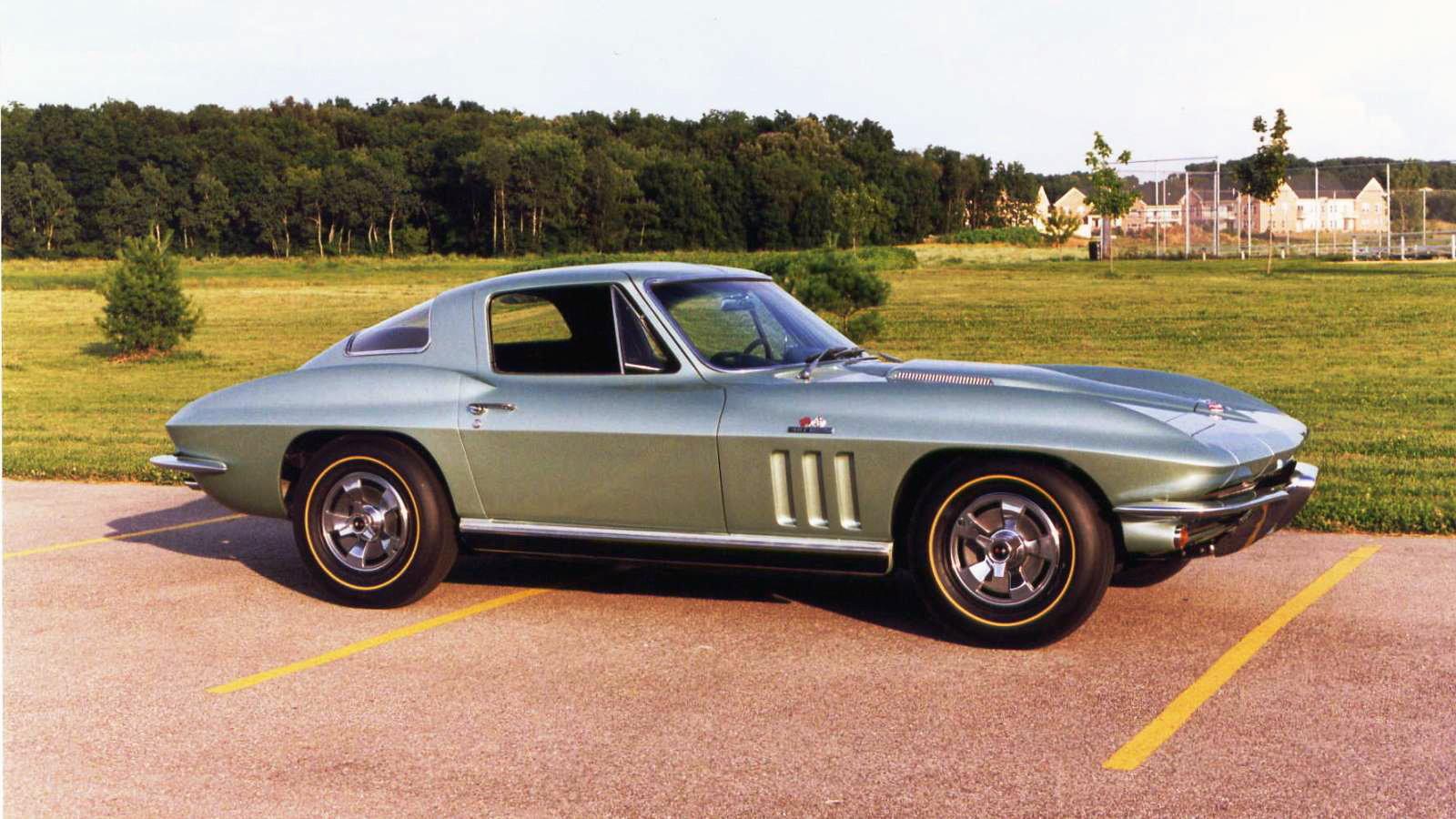 1966 Corvette in MoSport Green
