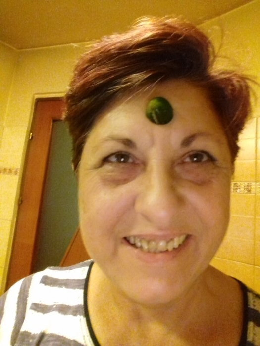 Me with a cuke end on my forehead
