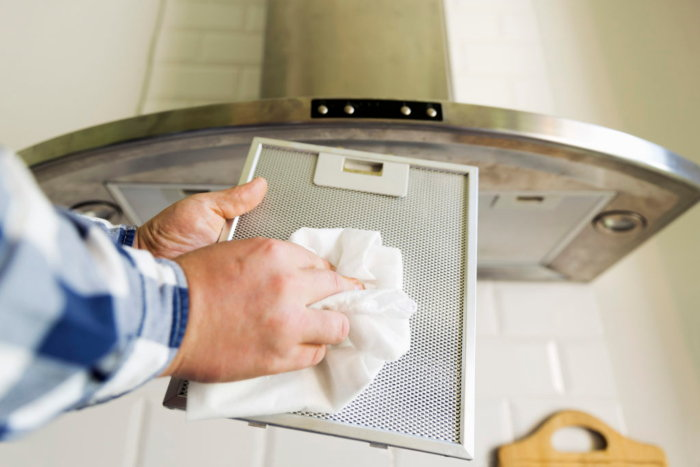 cleaning a stove exhaust filter