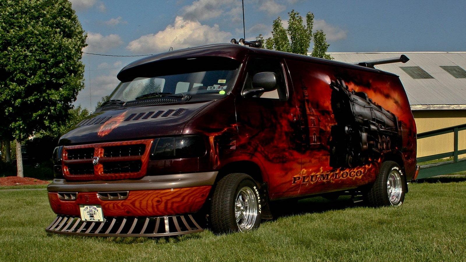 9 Awesome Dodge Custom Vans | Dodgeforum