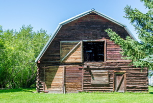 Gambrel roof on a barn