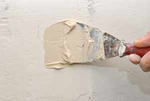 applying joint compound to drywall