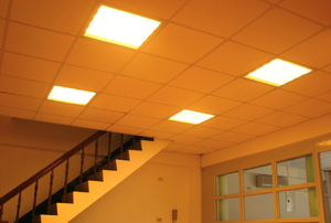 How to Wire a Fluorescent Light Fixture