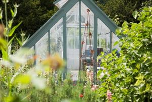 a Quintessential English Country Garden