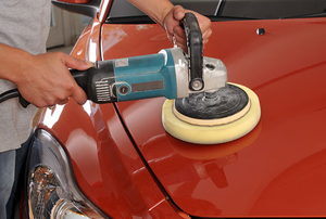 Polishing car