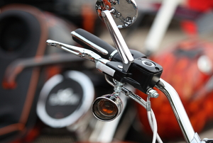 motorcycle handlebar with throttle cables