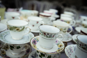 How to Clean Fine China