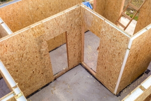 house under construction with structurally insulated panels
