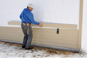 installing siding on a building