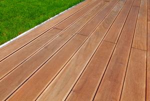 ground-level deck