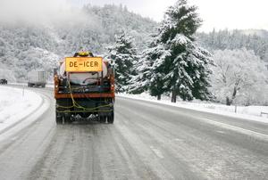 de-icer on road