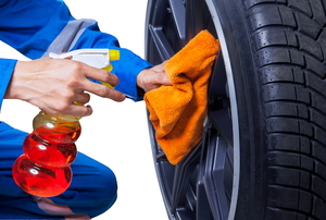 clean and repair car rim scratches