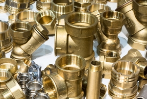 brass pipe plumbing fittings of various sizes