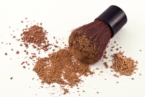 Remove Bronzer Makeup from Clothes, Towels, and Carpets