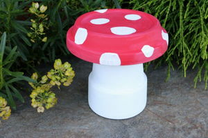 Cute, Colorful DIY Garden Toad Stool