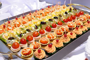 4 Things to Consider Before Planning Your Wedding Reception Menu
