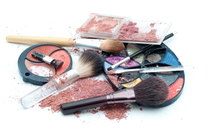 How to Remove Makeup from Silk