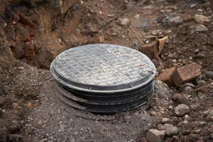 How to Replace a Septic Tank Lid