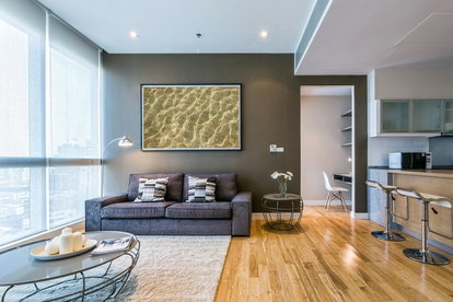 Diffe Colors Can Change The Aesthetics Of A Room Gray Wall Against White Ceiling