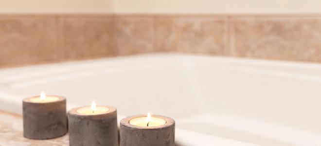 candles by a bathtub