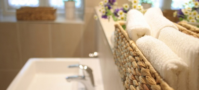 bathroom linen baskets