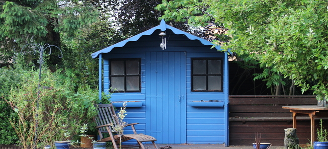 Insulating tips for a shed doityourself insulating a shed may seem silly at first but your shed has many uses and adding insulation can further increase its usefulness solutioingenieria Images