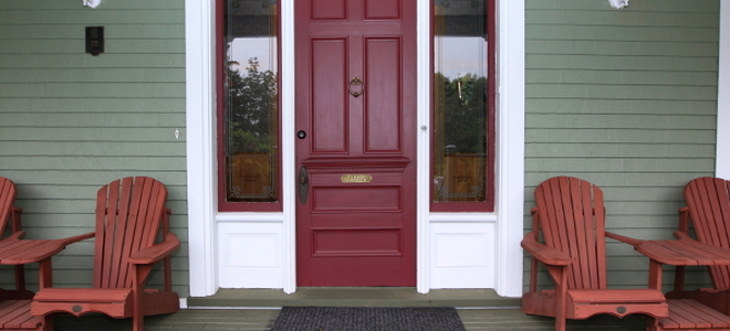 Explore Your Options & 10 Painted Front Doors to Make You Green With Envy | DoItYourself.com Pezcame.Com