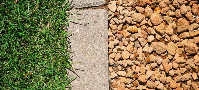 How To Install Edging Pavers Along A Gravel Path Doityourself Com