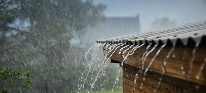 Leaky roof repair tips Roof leaks when it rains hard