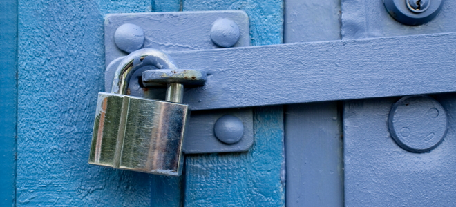 How To Install A Gate Lock In 5 Steps Doityourself Com