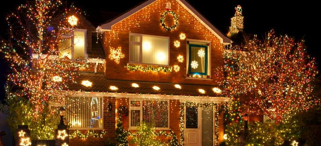 & Outdoor Christmas Lighting Safety Tips | DoItYourself.com
