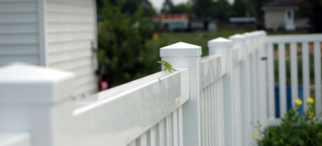 Wood vs vinyl fence pros and cons doityourself